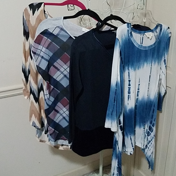Two by Vince Camuto Tops - Bundle of (4) Tops